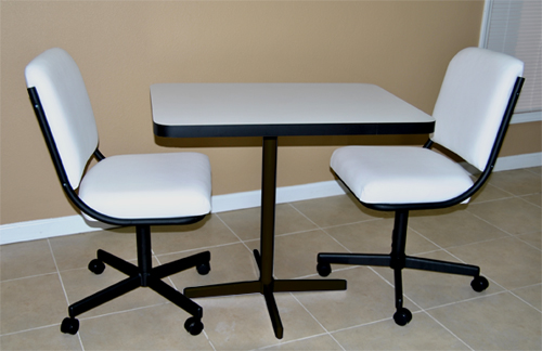 2chair08_smallRec_dinette.jpg