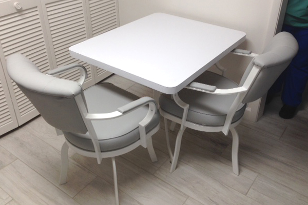 30 X 40 RC Table #846 Swivel Chairs