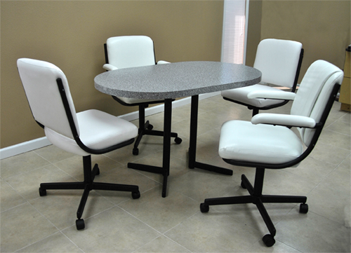Dinette 205 - 4 Caster Chairs